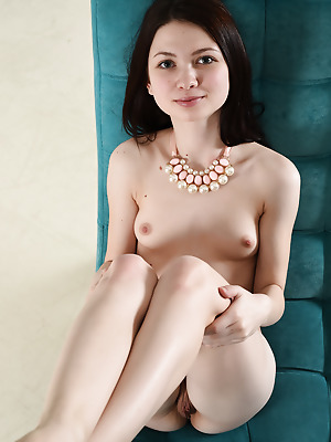 Showy Beauty  Lusia  Pussy, Older, Beautiful